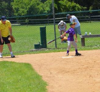 KidsandKlutzesSoftball2015-5_1