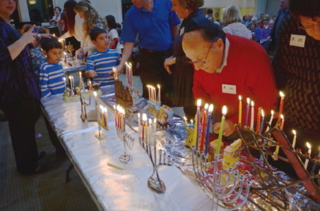 Nightof100Menorahs12_1